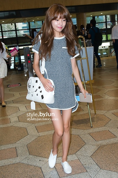 ews20130825airportfashion22
